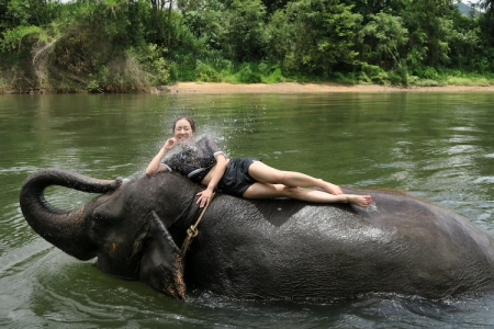 thailand-swimwithelephant-09
