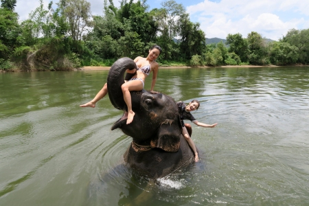 thailand-swimwithelephant-11